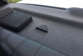 E30 parcel shelf seat belt holder