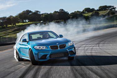 2016 BMW M2 drift