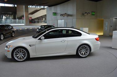 BMW E92 M3 brilliant frozen white mettalic
