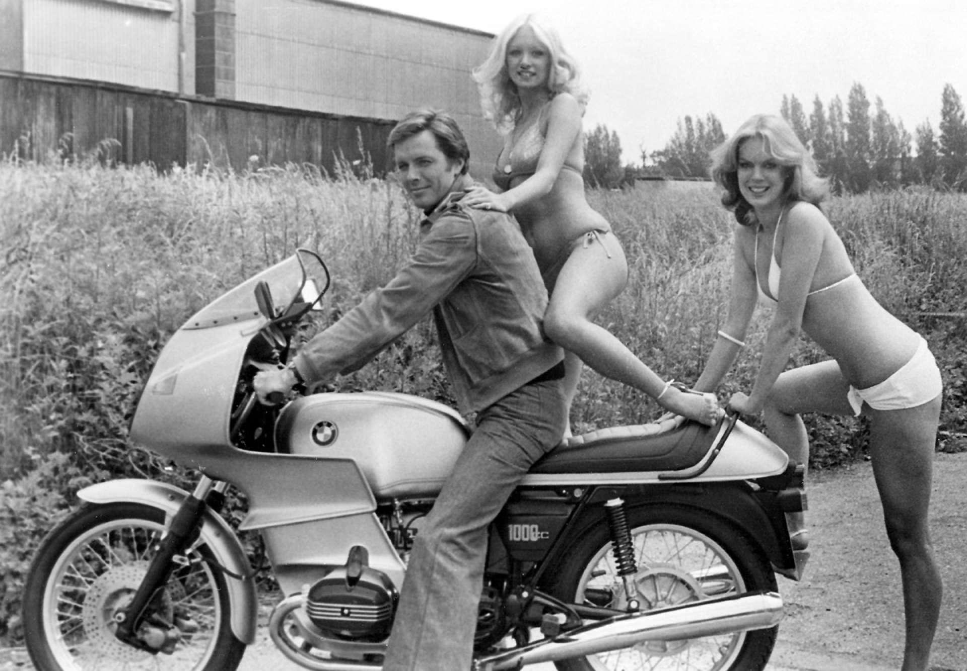 BMW Beamer Motorcycle girls