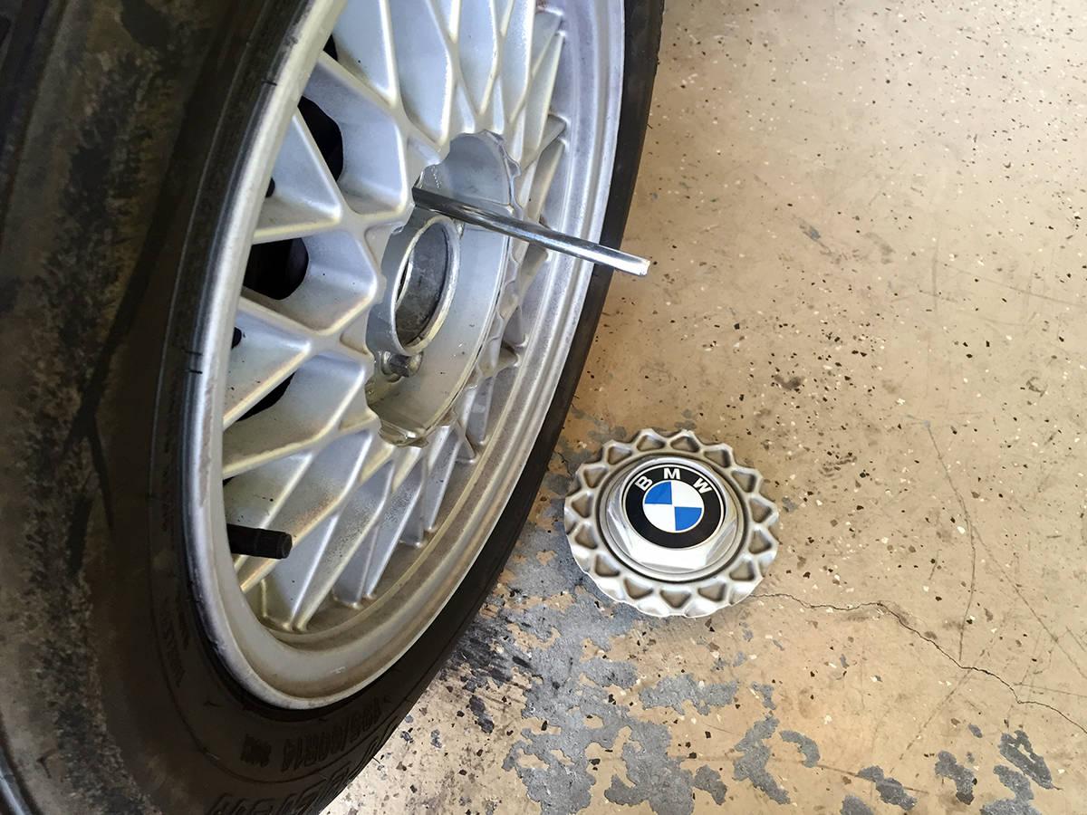 BMW tool kit self aligning wheel pin