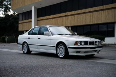 BMW E34 M5 Alpine White