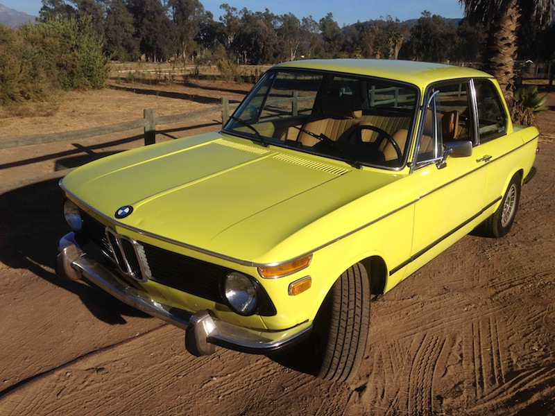 BMW 2002 Golf Yellow