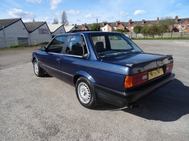 BMW E30 Laser Blue 294