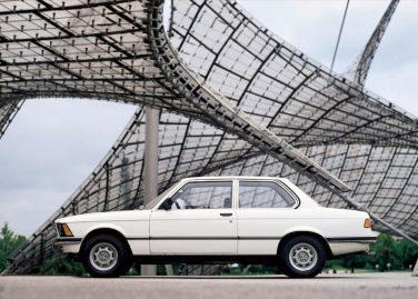 BMW E21 arctic white