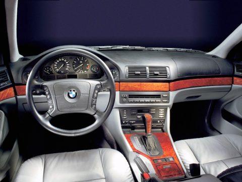 BMW E39 Aux Port radio