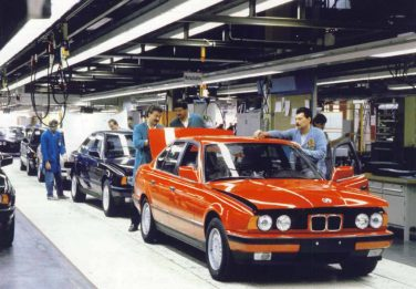 BMW E34 factory production