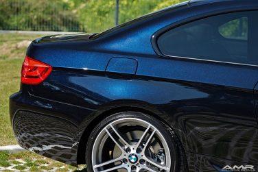 BMW azurite black metallic