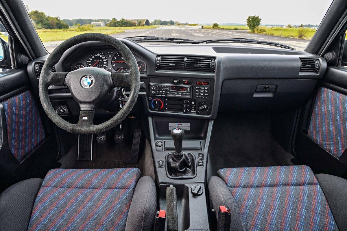 Sloppy BMW E30 / E34 Air Vents Fix - BIMMERtips.com