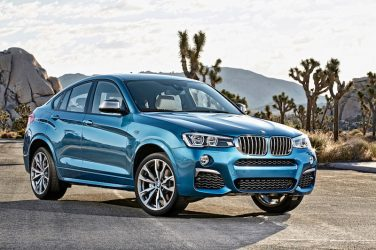 BMW X4 M40i long beach blue metallic front quarter