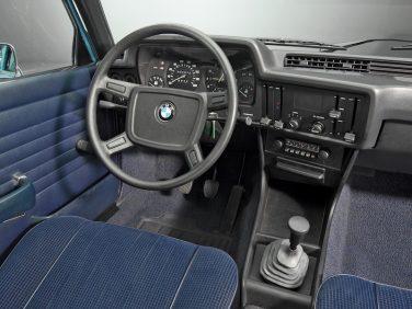 BMW E21 interior
