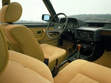 BMW E12 5 series interior