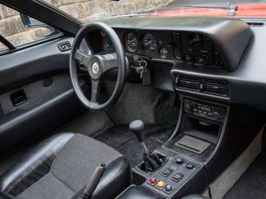 BMW M1 interior