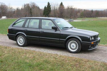 BMW E30 325i touring