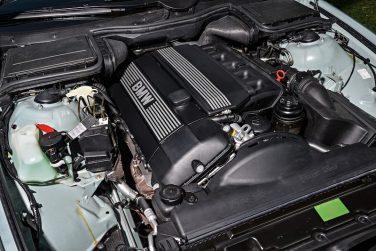 BMW E39 M54