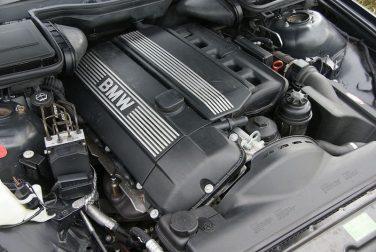 BMW M54B25 engine