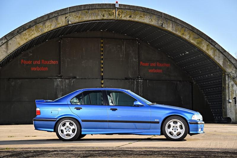 e36_M3_sedan_blue_stock