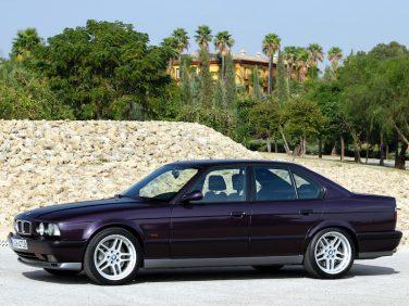 BMW E34 M5 M parallel