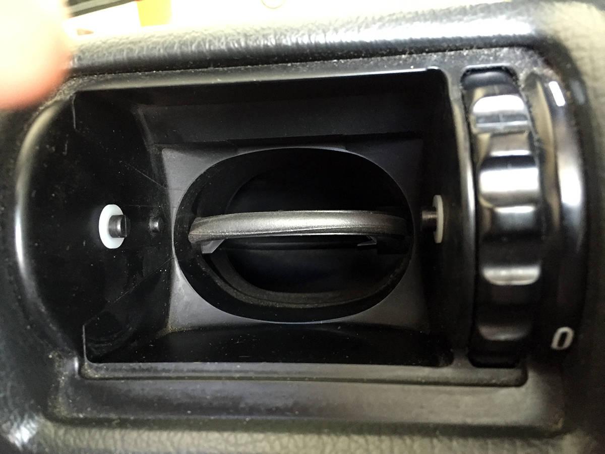 BMW E30 E34 sloppy vents fix