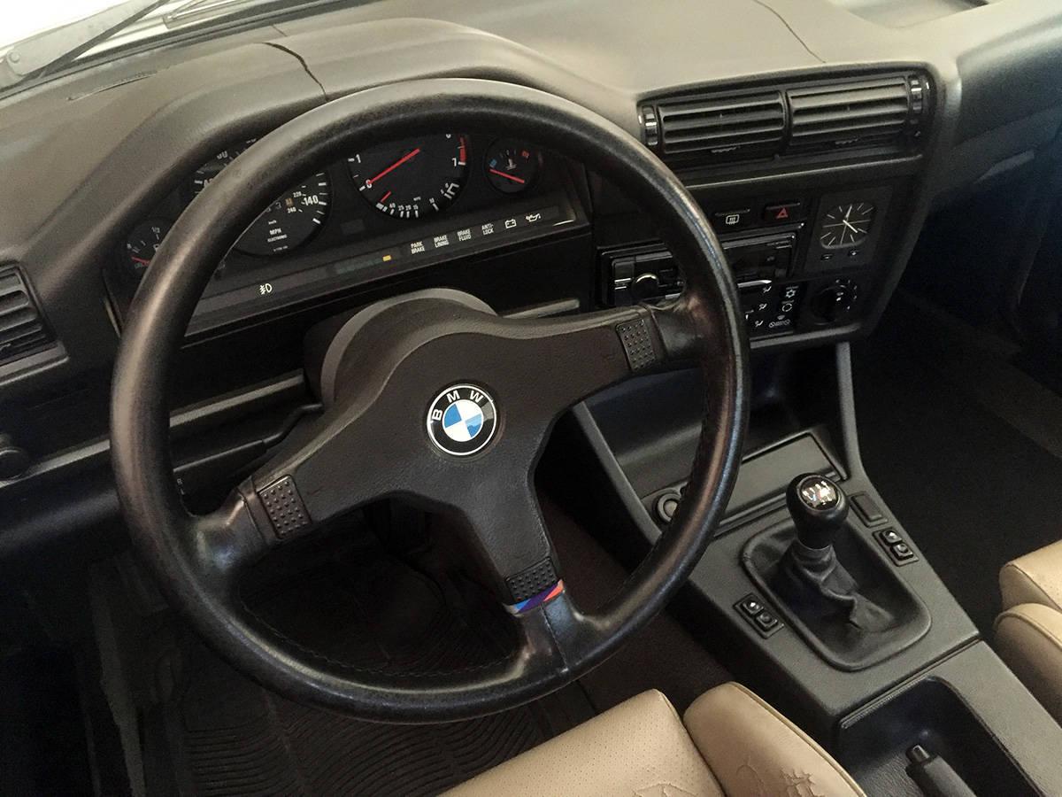 Sloppy BMW E30 steering wheel fix