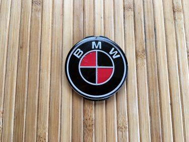 DIY Custom Color BMW steering wheel Roundel