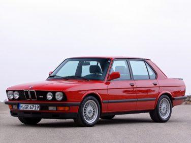 BMW E28 M5 Red