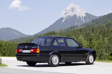 BMW E30 Mtech 2 black