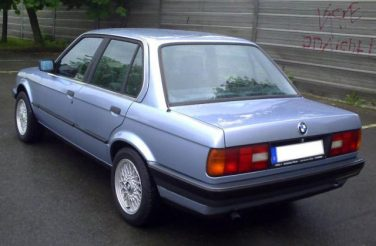 BMW E30 Gletscher Blue Metallic 280