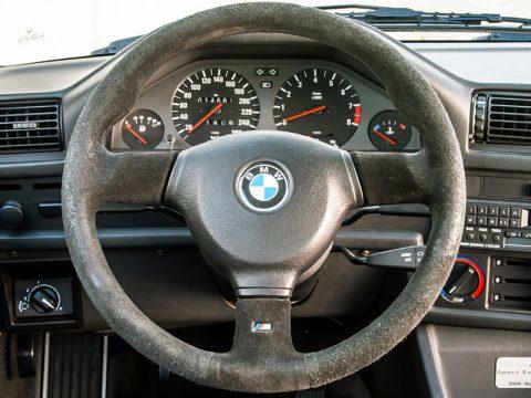 BMW steering wheel emblem replacement
