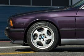 BMW E34 M5 techno violet style 21 m system throwing stars