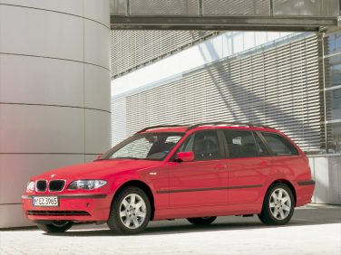 BMW E46 touring red