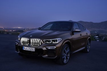 BMW X6 illuminated grills