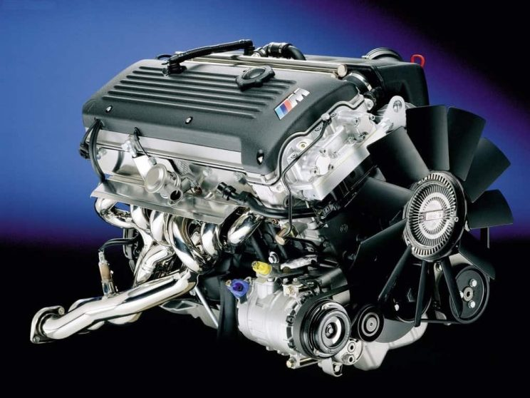 BMW inline six advantages