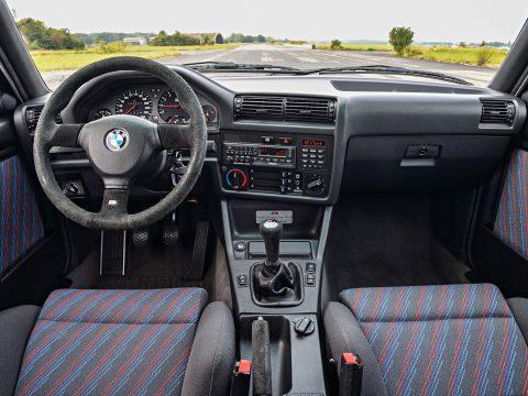 BMW E30 M3 sport evolution interior