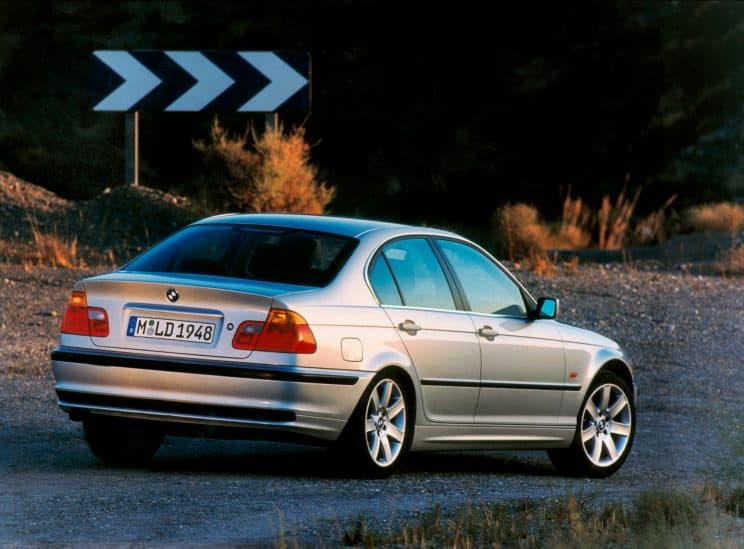Coupe Vs Sedan >> BMW E46 Coupe vs. Sedan body differences - BIMMERtips.com
